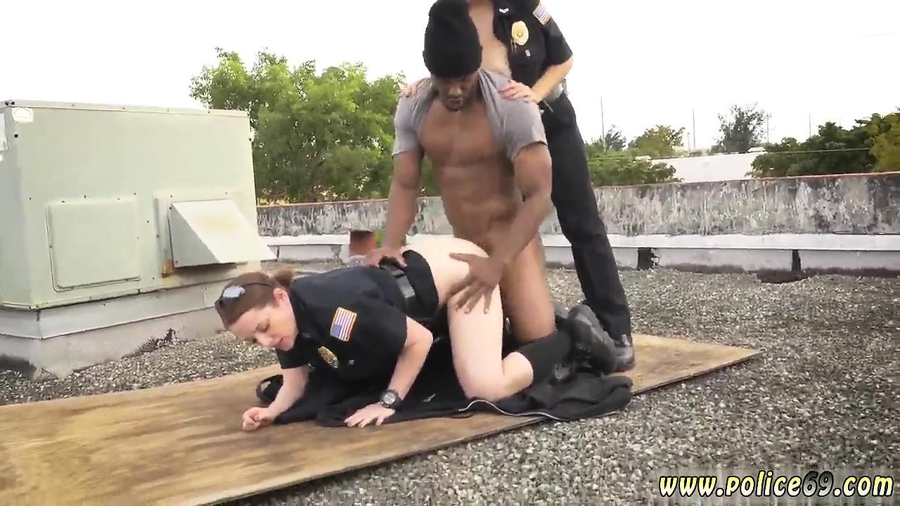 v-shlyapke-porno-roliki